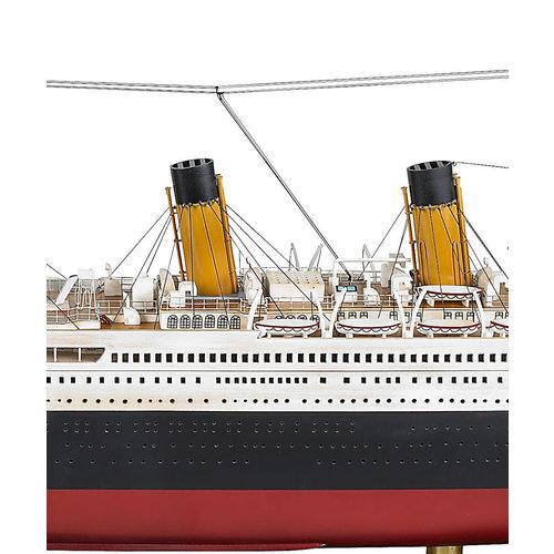 Authentic Models Titanic