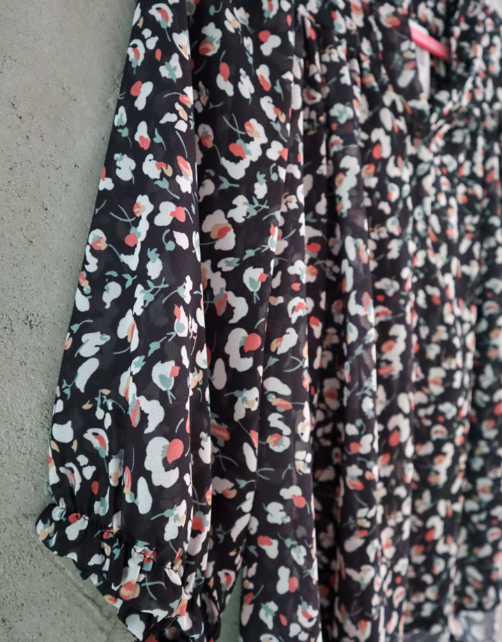 Blouse met bloemenprint zwart
