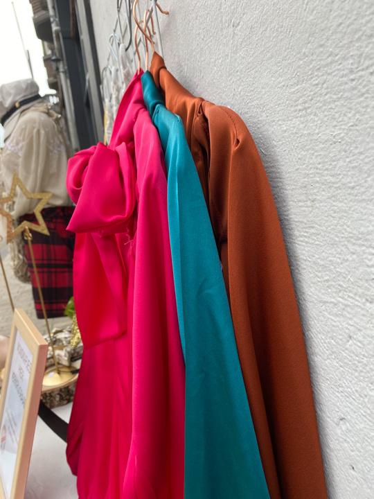 Satijnen blouse, Ambra