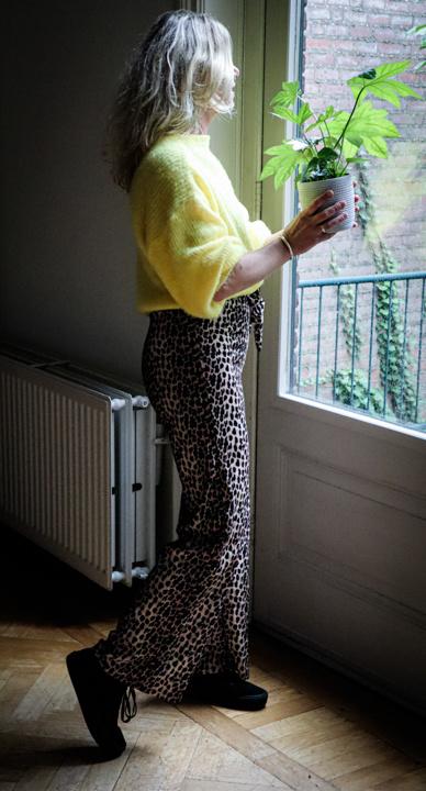 Broek met luipaard print, Tara