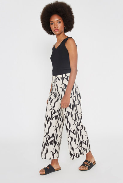 Abstract trouser