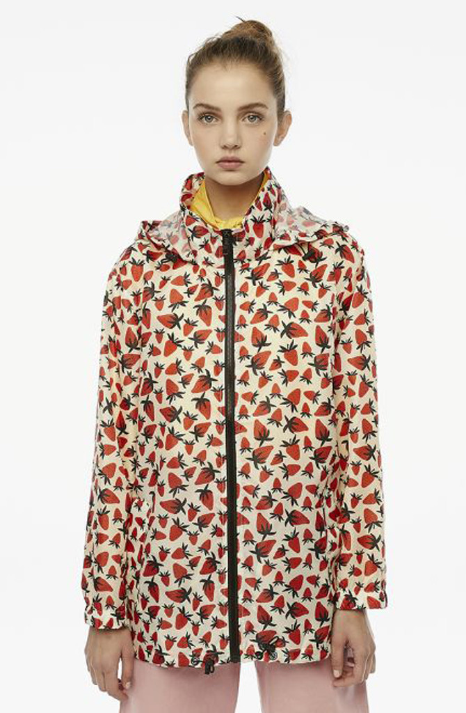 Pompidou raincoat Strawberry-1