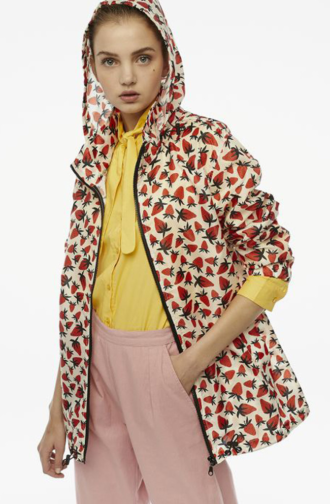 Pompidou raincoat Strawberry-2