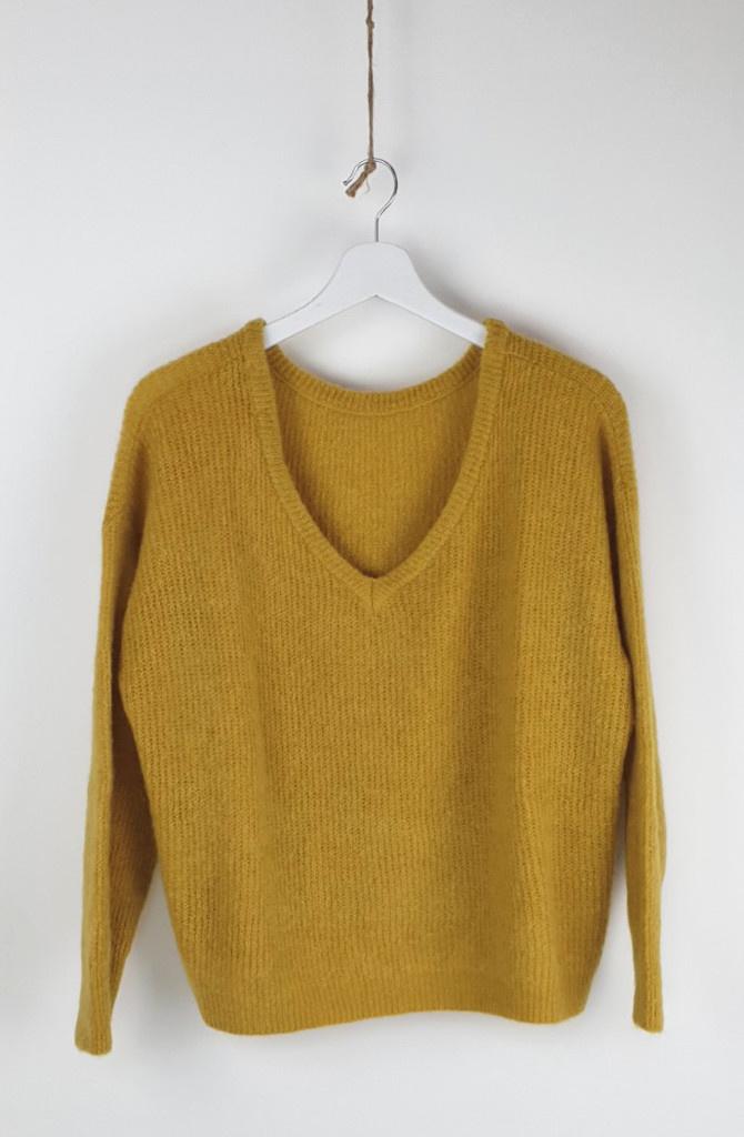 Loren reversible V-neck knit Ceylon Yellow-1
