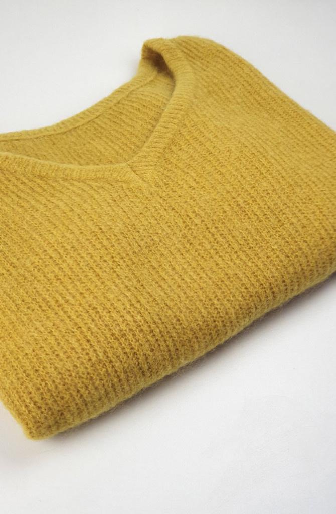 Loren reversible V-neck knit Ceylon Yellow-2