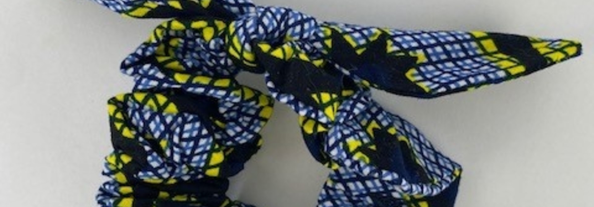 Foma bow scrunchie Yellow Checkered