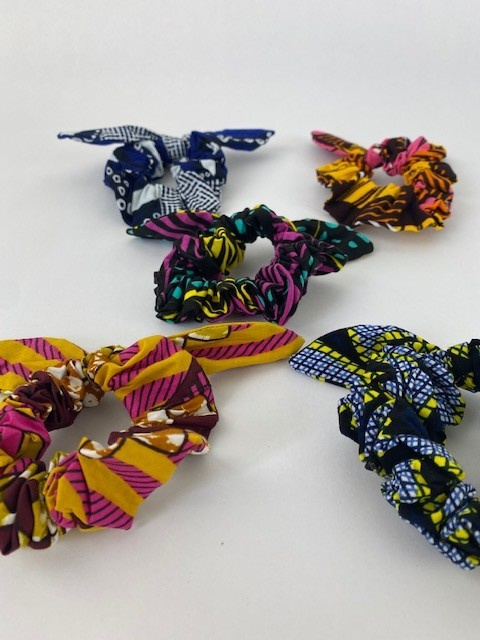 Foma bow scrunchie Aqua Yellow-2