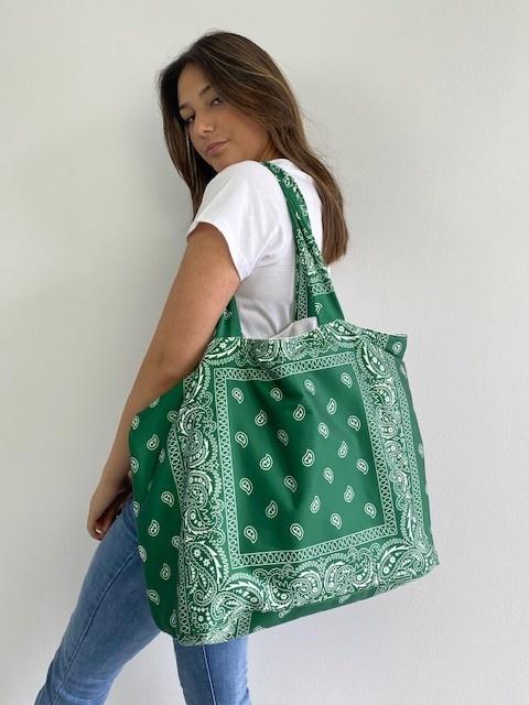 Kaylee satin bandana shopper Vintage Green-3