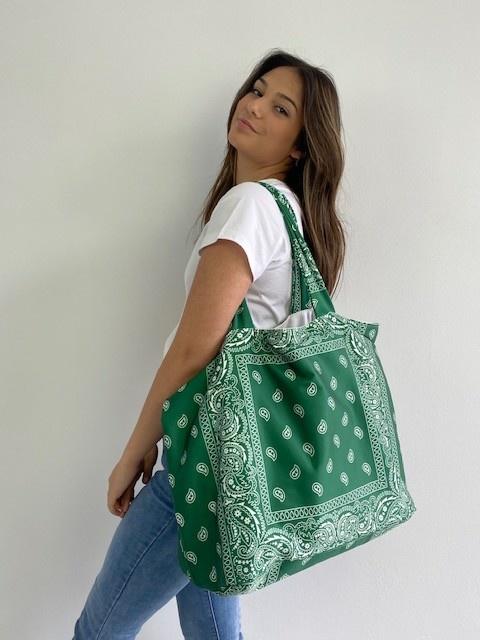Kaylee satin bandana shopper Vintage Green-2