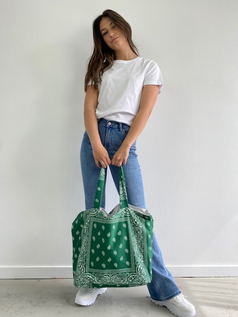 Kaylee satin bandana shopper Vintage Green-1