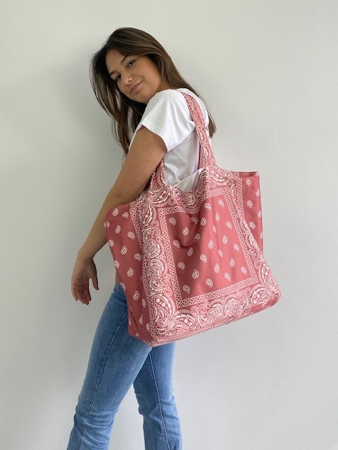 Kaylee satin bandana shopper Blush-3