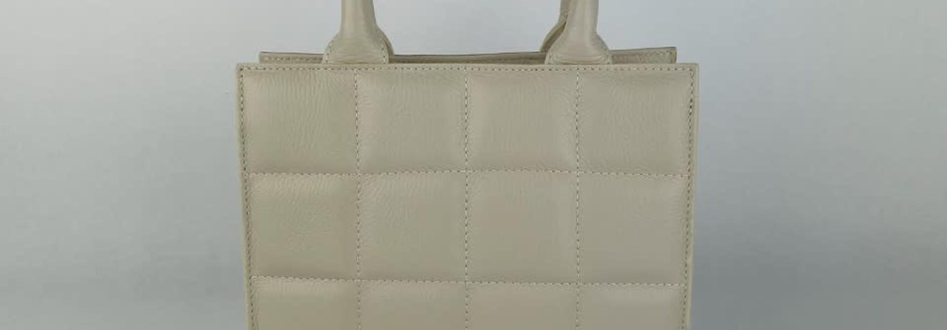 Metora leather bag Broken White