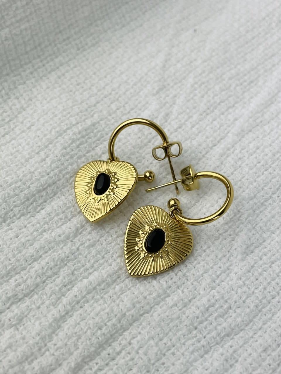Tita heart earrings Black-1