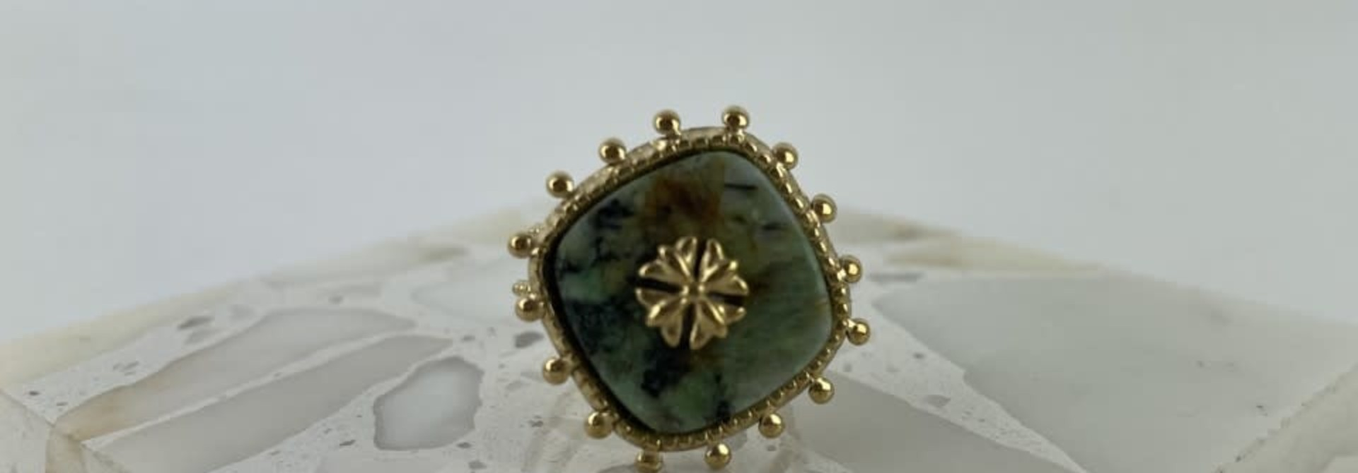 Lovida squared marble ring Green