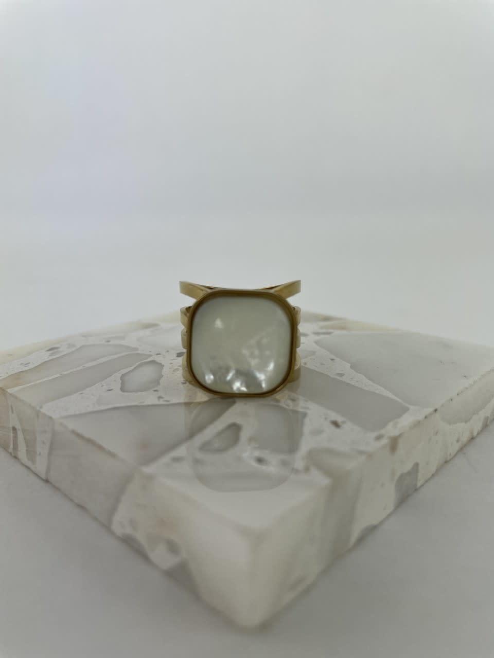 Zegera squared ring Pearl White-1