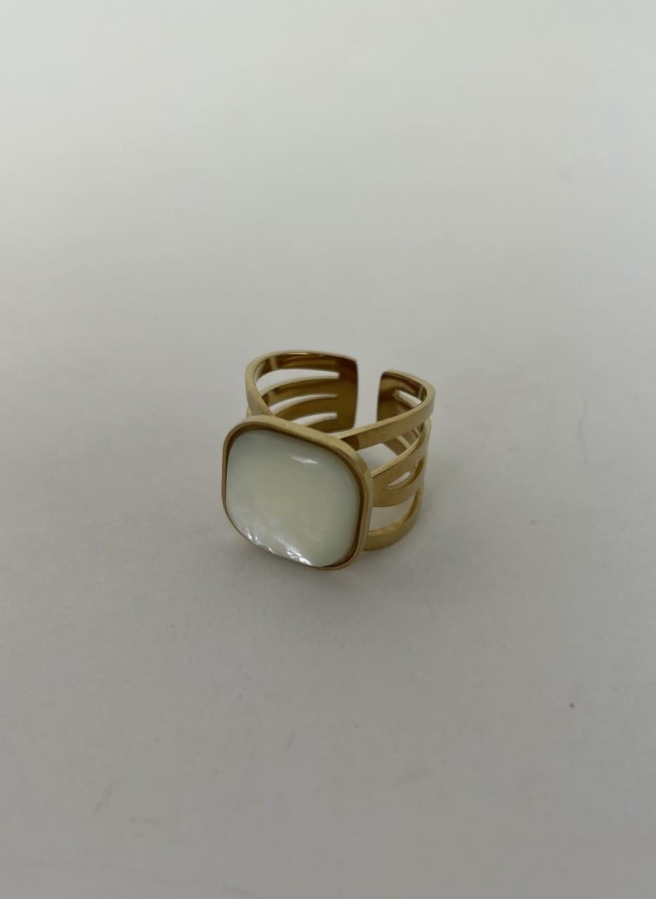 Zegera squared ring Pearl White-2
