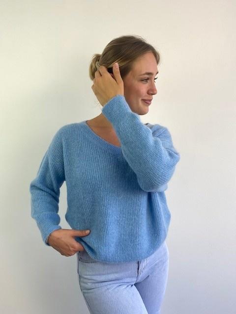 Louna v-neck knitted pull Sky Blue-1