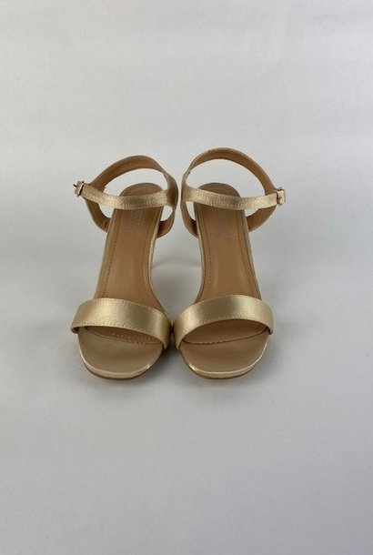 Lily pump Gold