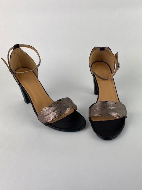 Lucile feader sandal Black-1