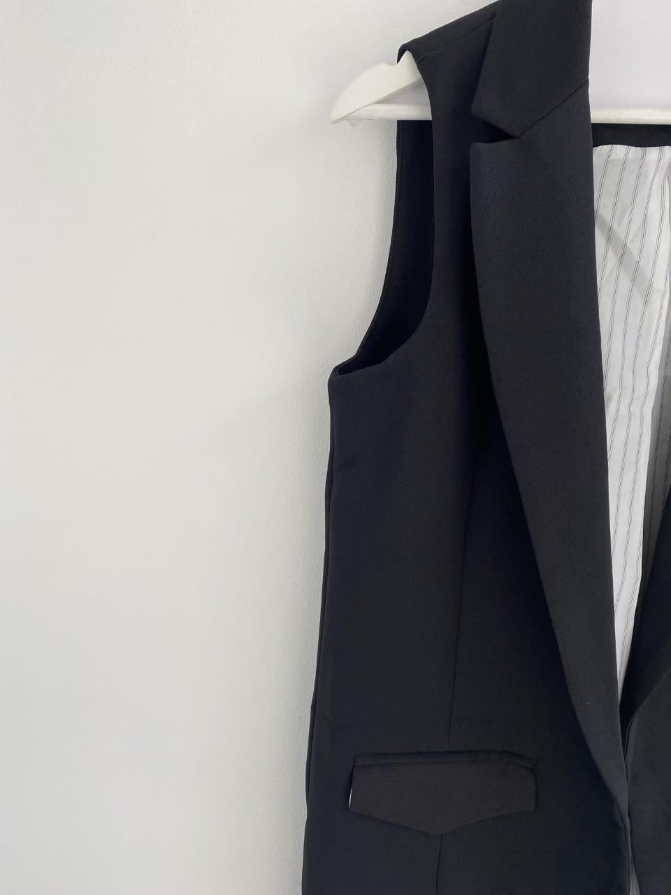 Romy sleeveless blazer Black-5
