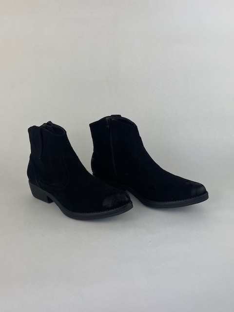 Cewe ankle cowboy boots Black-2