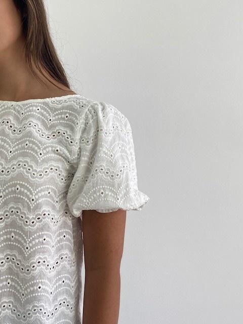 Renata s/s broderie ballonsleeve blouse White-4