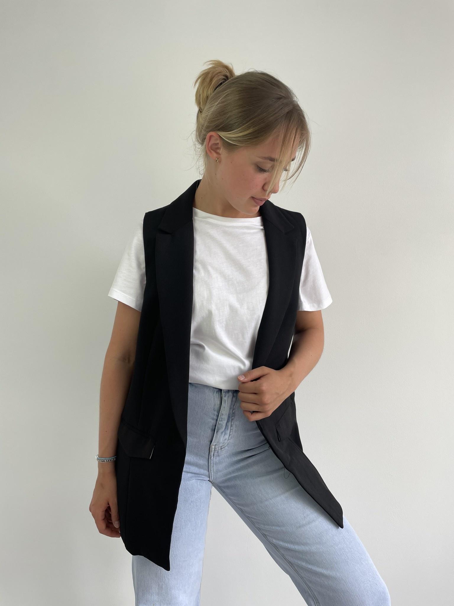 Romy sleeveless blazer Black-3