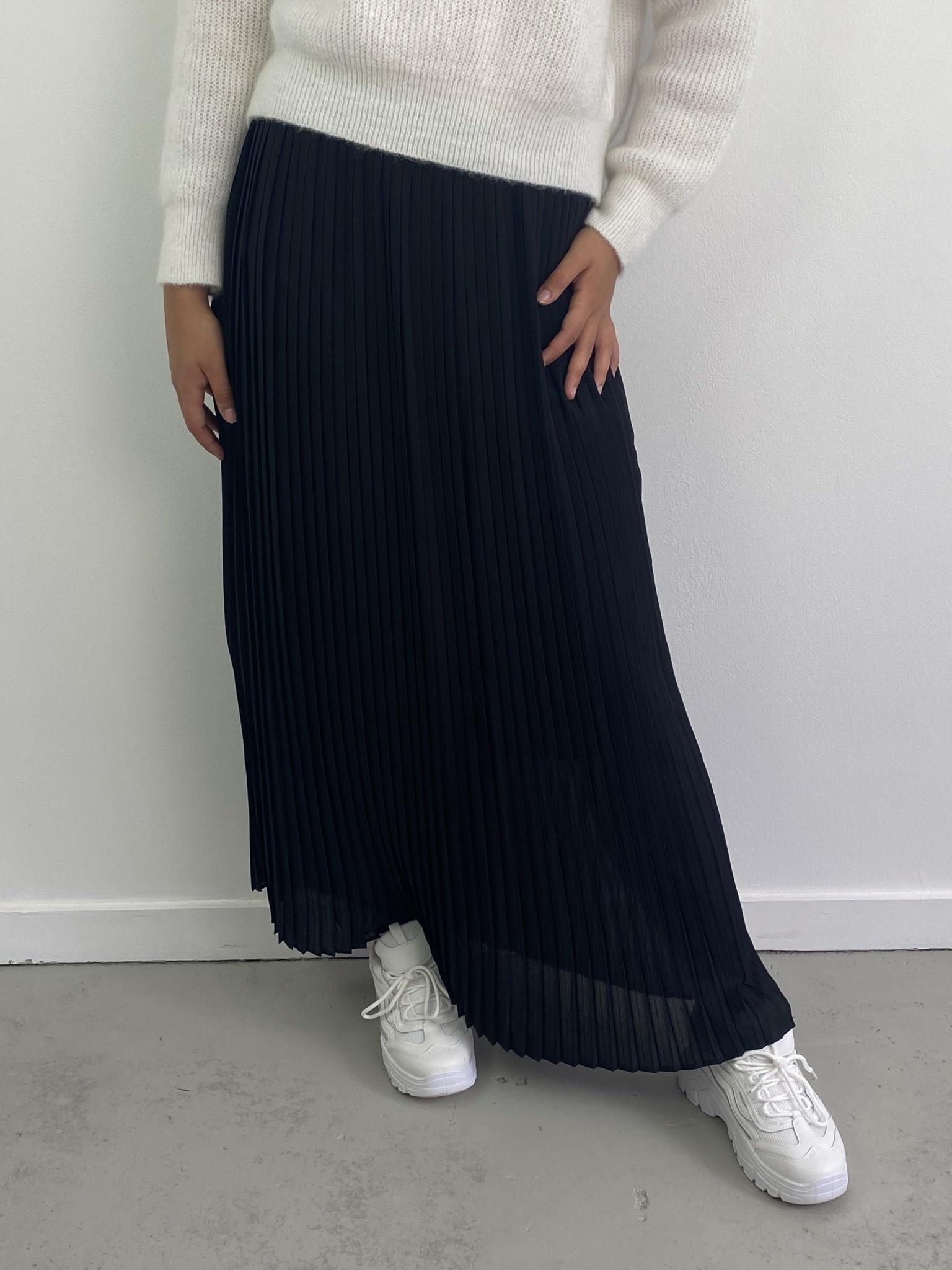 Emanuelle pleated skirt Black-1