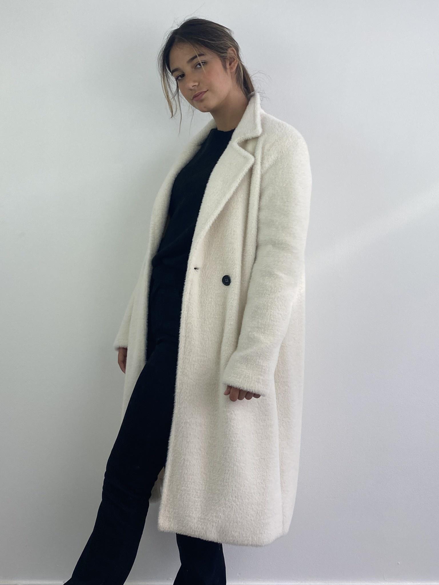 Karas fluffy coat Snow White-1