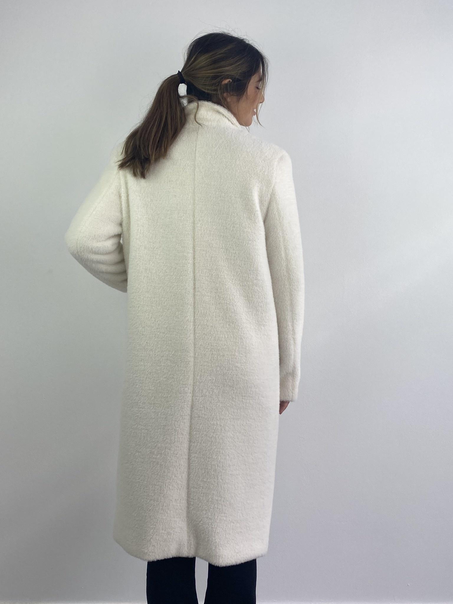 Karas fluffy coat Snow White-5