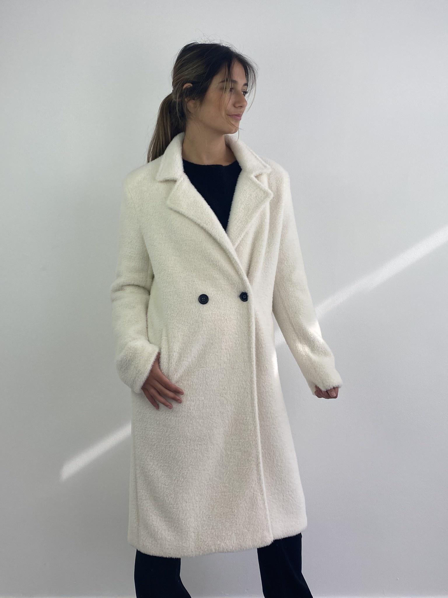 Karas fluffy coat Snow White-6
