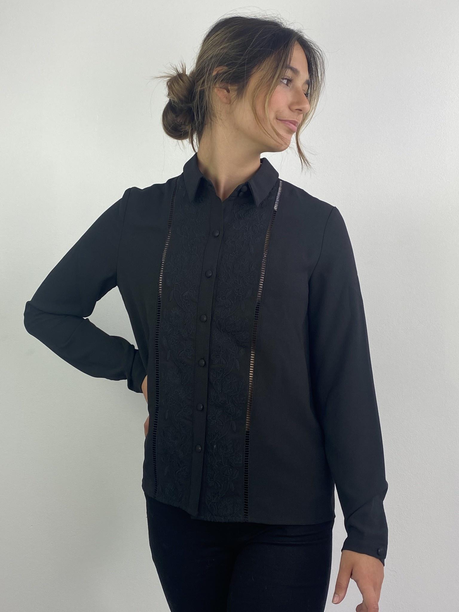 Tasmin broderie blouse Black-1