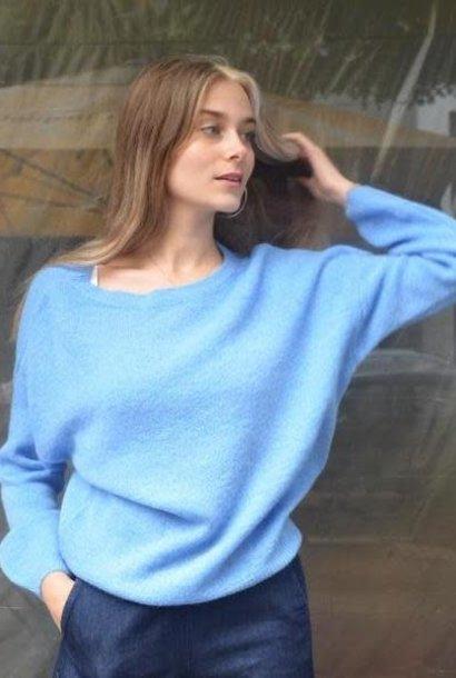 Easy boatneck knit Light Blue