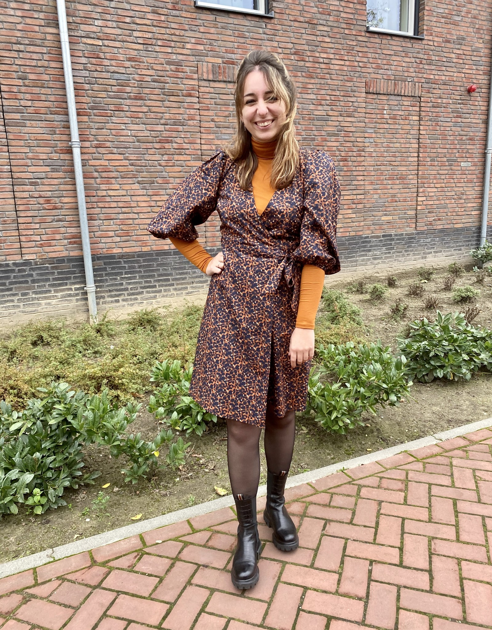 Minimum Lenelia Dress Caramel Cafe