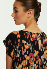 Soaked in Luxury Zaya Top Dizzy Floral Print