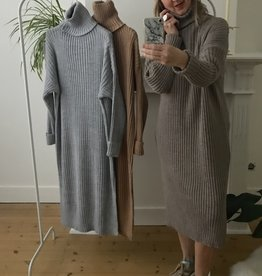IG Knit dress taupe