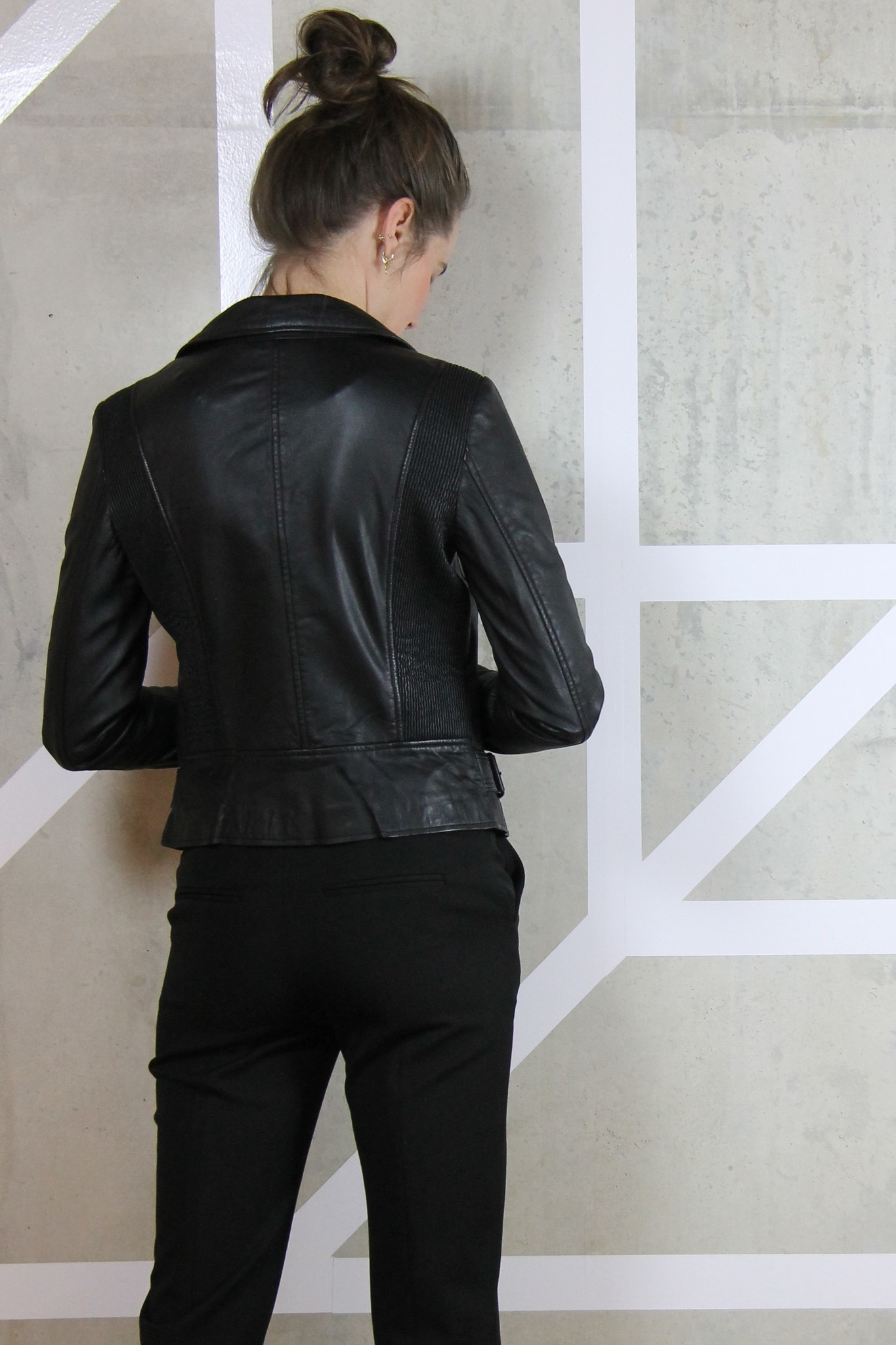 vika venice leather jacket-4