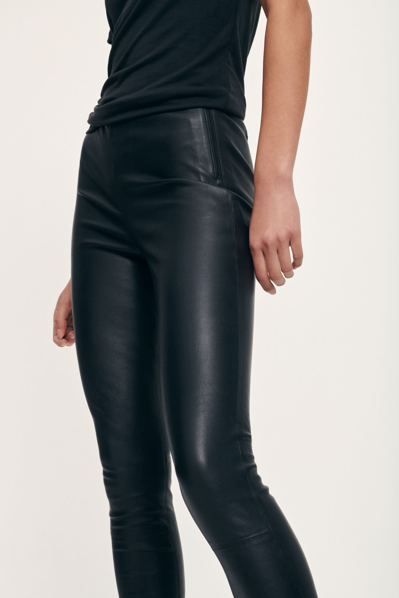 delta leather leggings   black-1