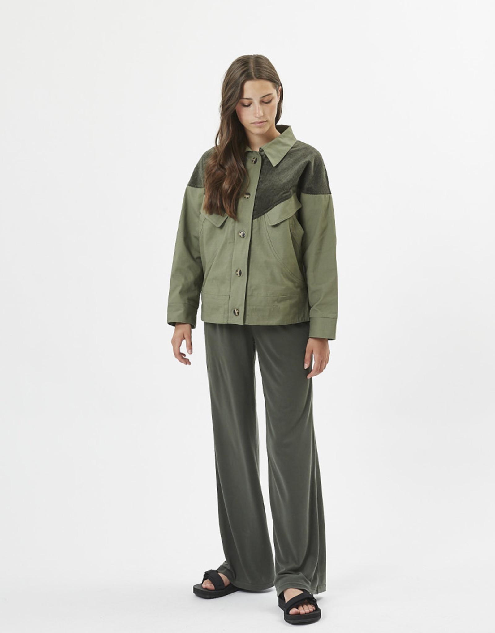 Pluase lightweight jacket