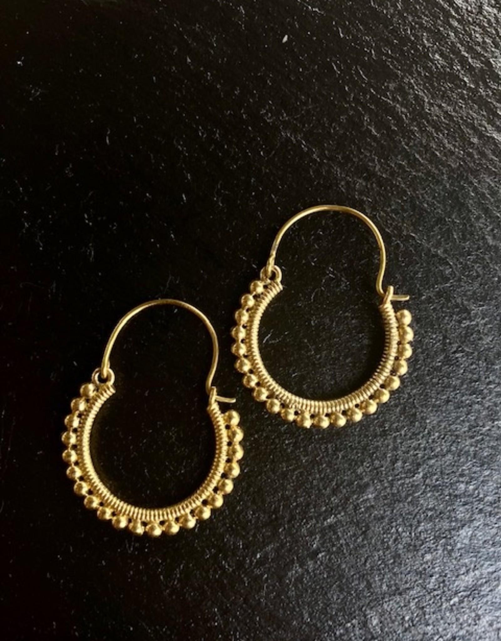 Boho brass hoops - vintage