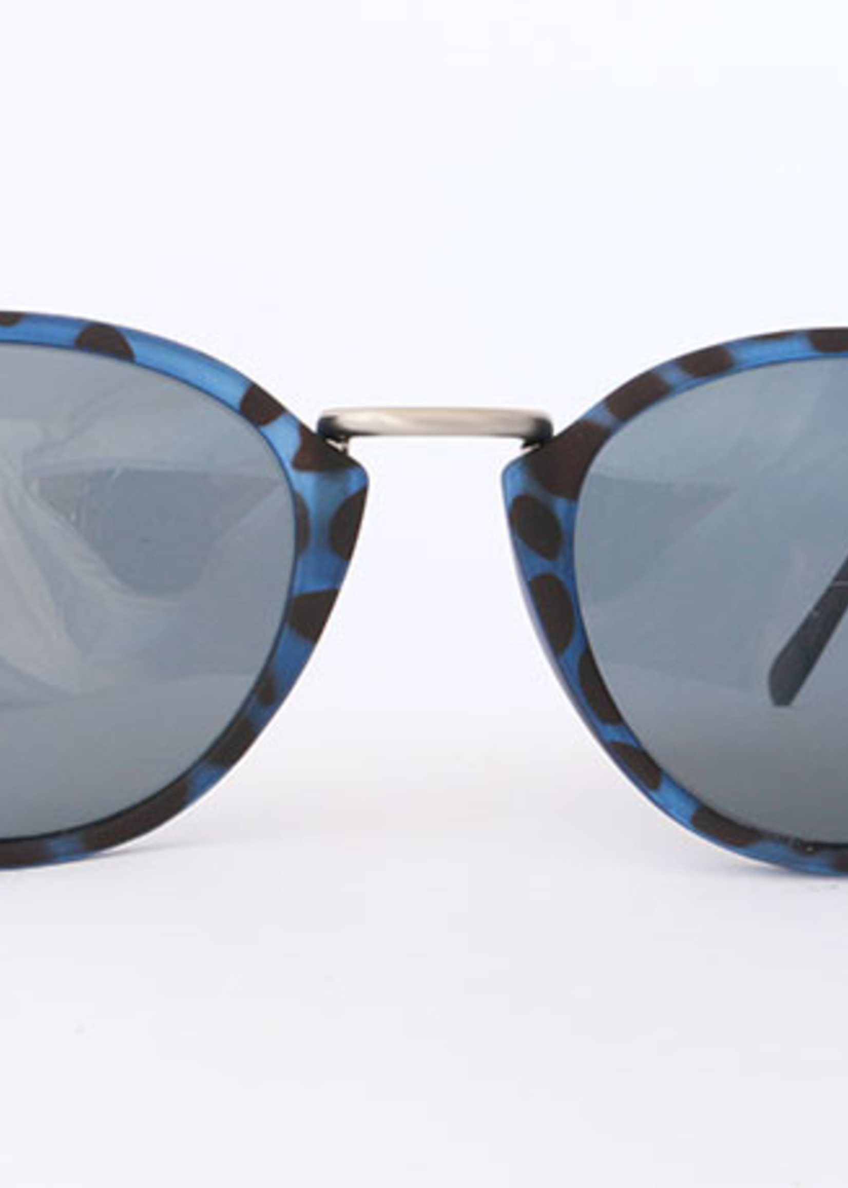 Mōken Twindrop Blue Leopard Sunglasses