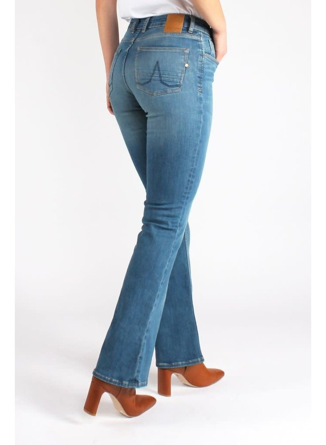 Amy Bootcut Essential
