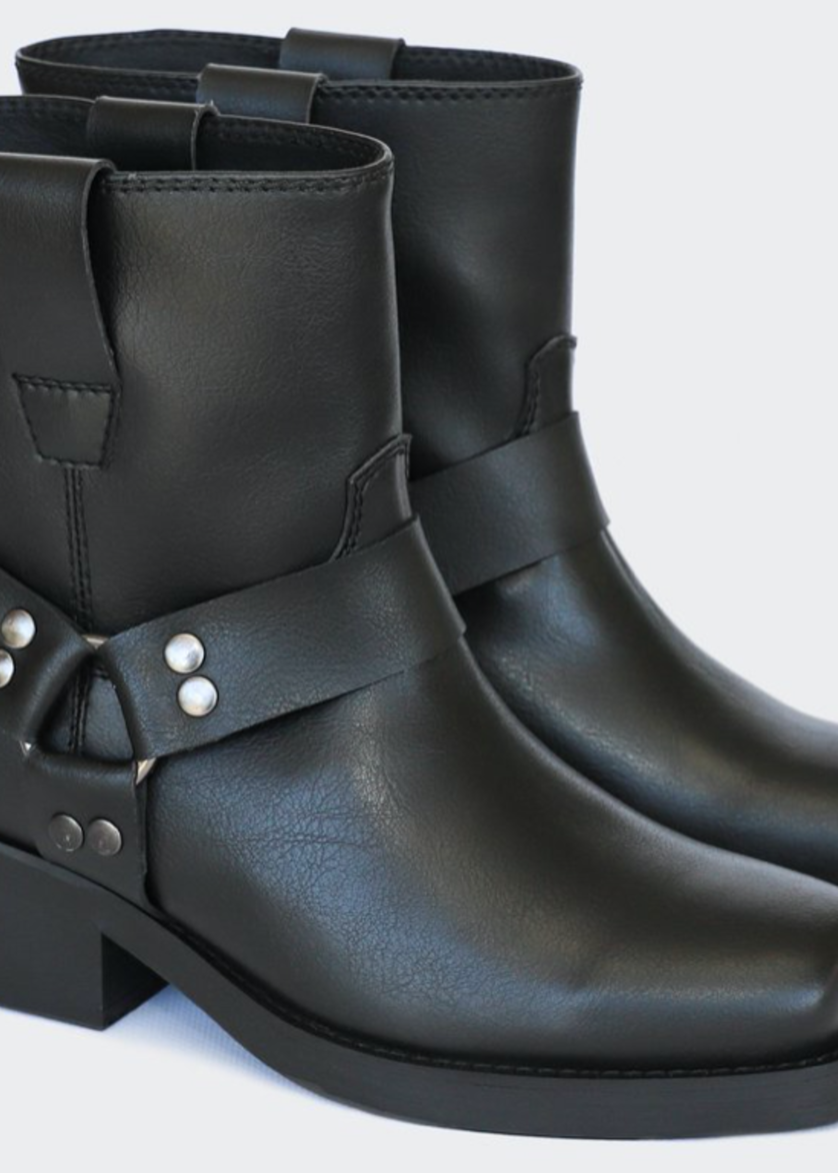 Good Guys Don't Wear Leather Chuck Low Top Motorcycle Boots