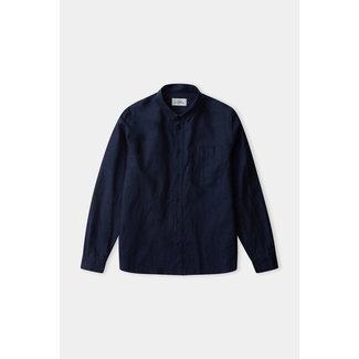 About Companions Simon Shirt - Navy (linen)