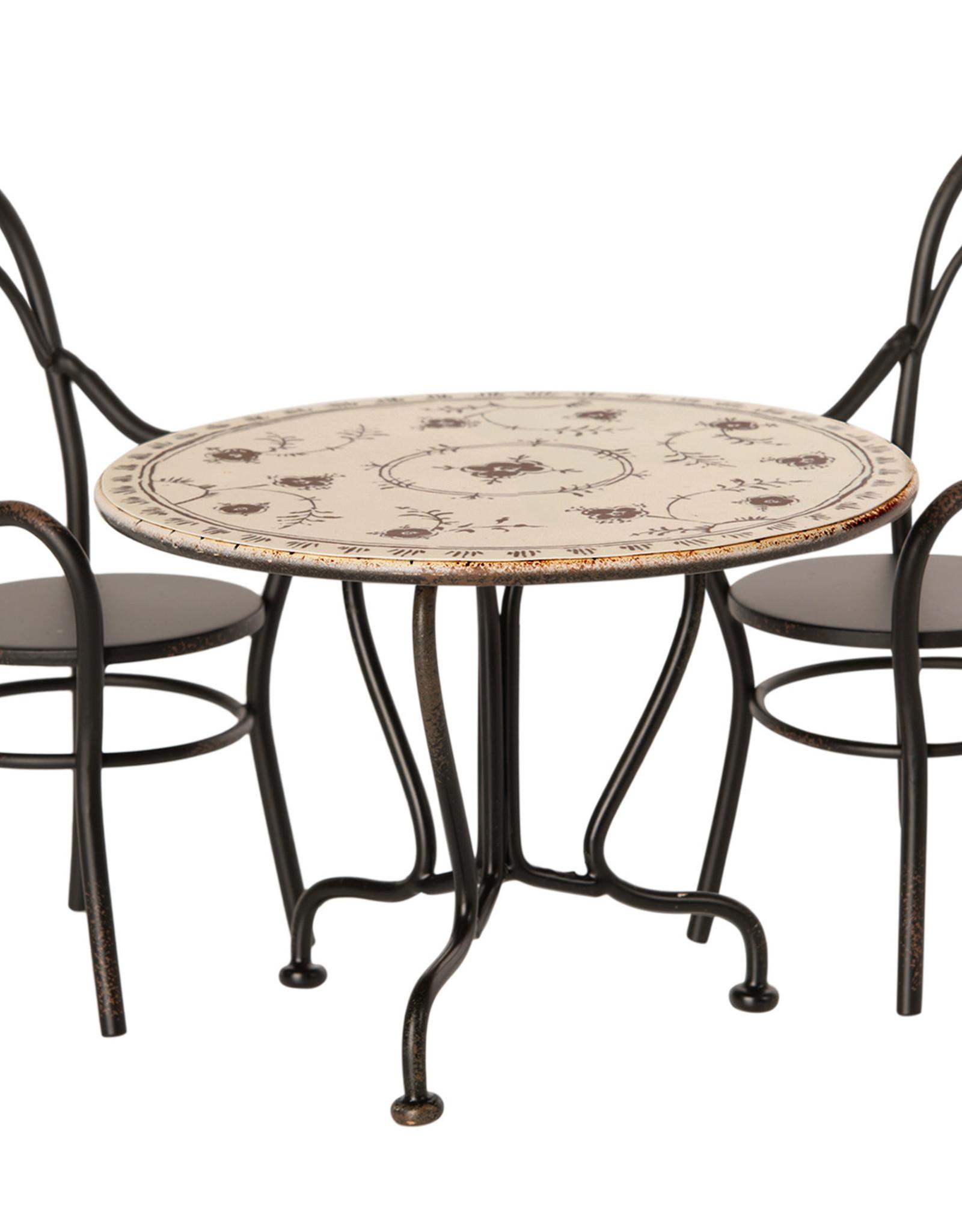 Maileg Eettafel set met 2 stoelen