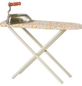 Maileg Strijkplank met strijkijzer