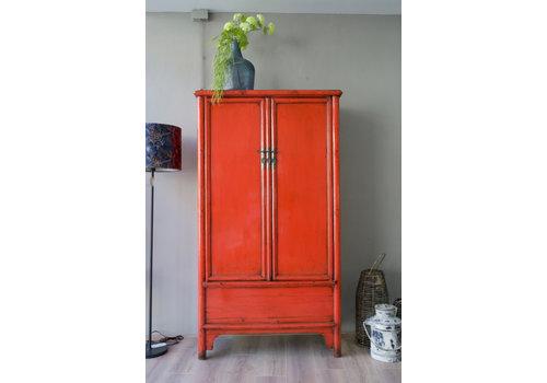 Twee-deurs kast gelakt rood/oranje