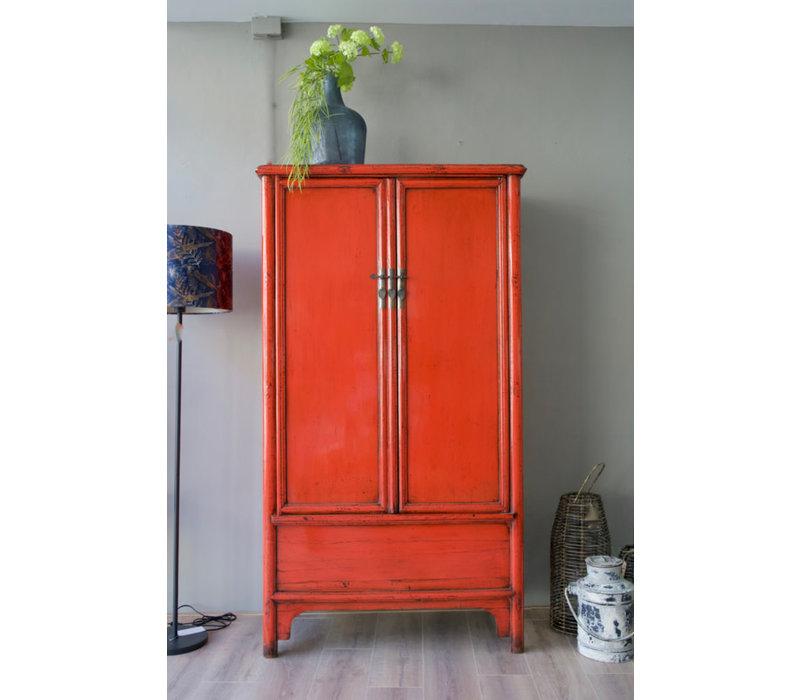 Twee-deurs kast gelakt rood