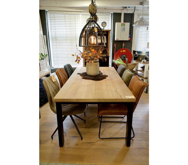 Eettafel Noowa Oak van UrbanSofa