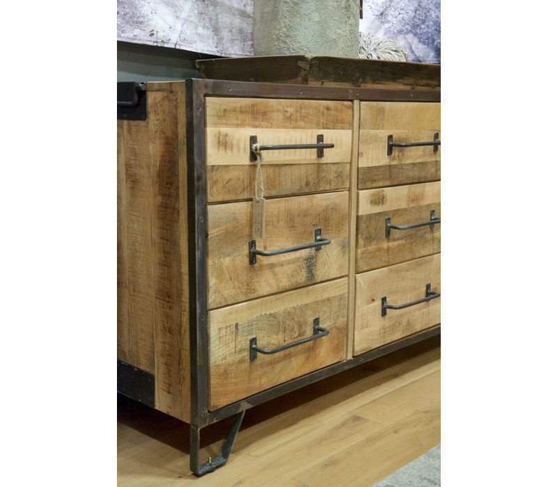 Industrieel dressoir met 9 laden